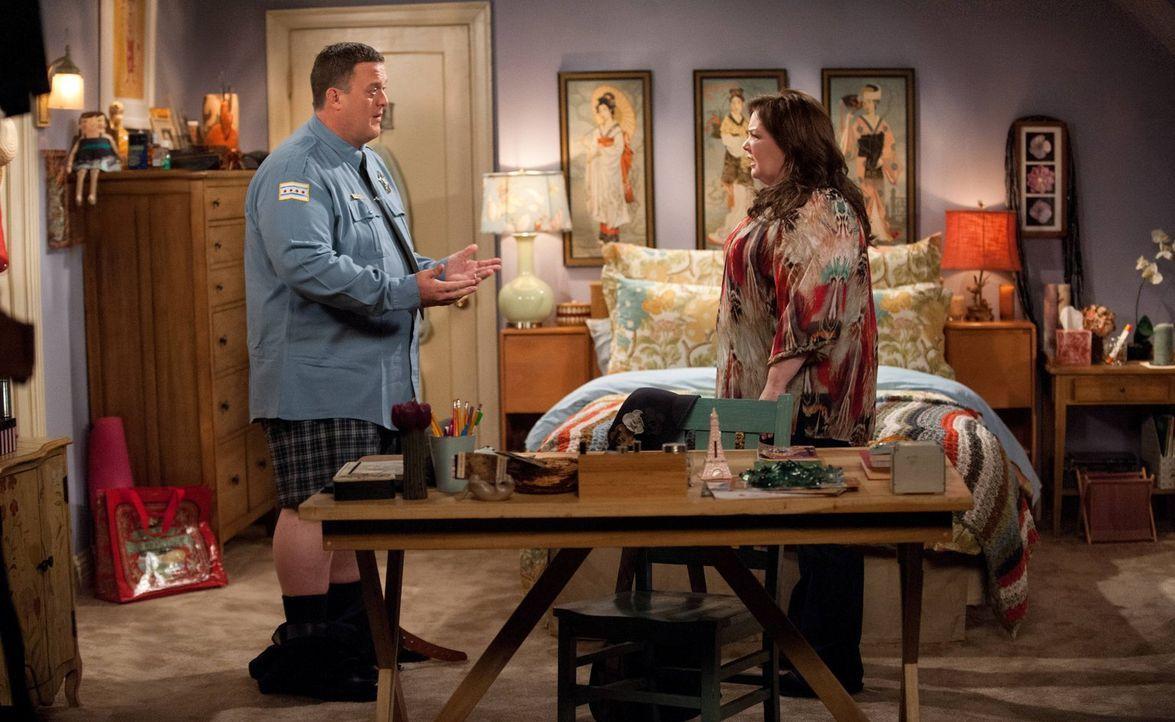 Beschließen, ein Baby zu bekommen: Mike (Billy Gardell, l.) und Molly (Melissa McCarthy, r.) ... - Bildquelle: Warner Brothers