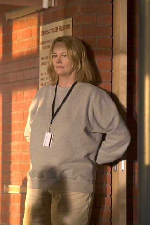 Landet wegen angeblichem Anlagenbetrug im Gefängnis: die Medien- und Geschäftsfrau Martha Stewart (Cybill Shepherd) ... - Bildquelle: TM &   2009 CBS Studios Inc. All Rights Reserved.