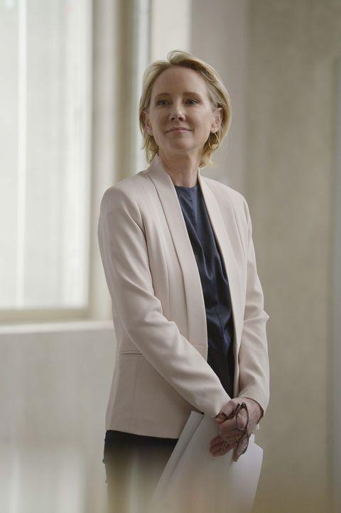Ist sie vertrauenswürdig? FBI-Agentin und Profilerin Dr. Susan Langdon (Anne Heche) ... - Bildquelle: Philippe Bosse 2015 ABC Studios