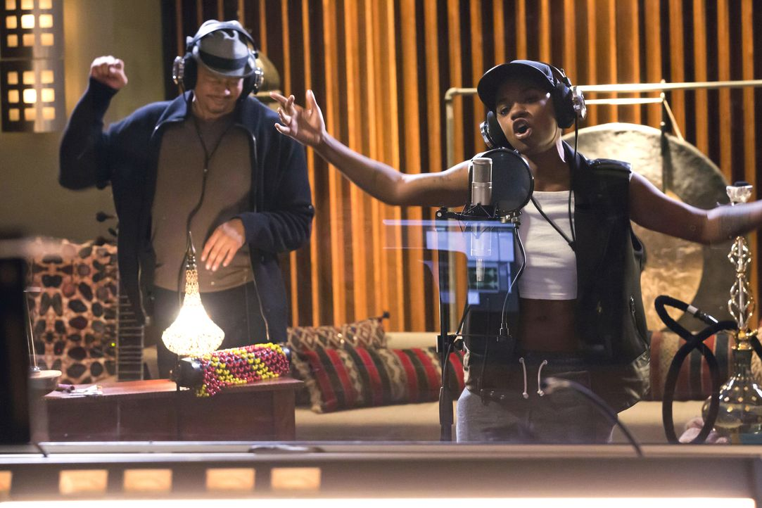 """Werden sie mit ihrem Song """"Boom Boom Bang Bang"""" Erfolg haben? Lucious (Terrence Howard, l.) und Freda (Bre-Z, r.) ... - Bildquelle: Chuck Hodes 2015-2016 Fox and its related entities.  All rights reserved."""