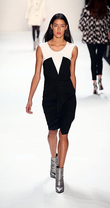 rebecca-2-laurel-fashion-week-berlin-13-01-17jpg 793 x 1500 - Bildquelle: WENN.com