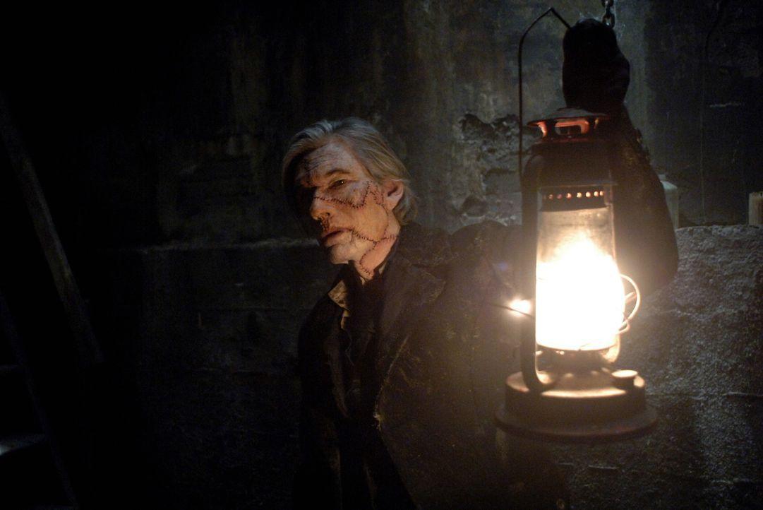 Als für Dean langsam die Zeit knapp wird, überzeugt ihn Sam einen möglichen Zombie-Fall in Erie, Pennsylvania, zu untersuchen. Statt auf einen Zo... - Bildquelle: Warner Bros. Television