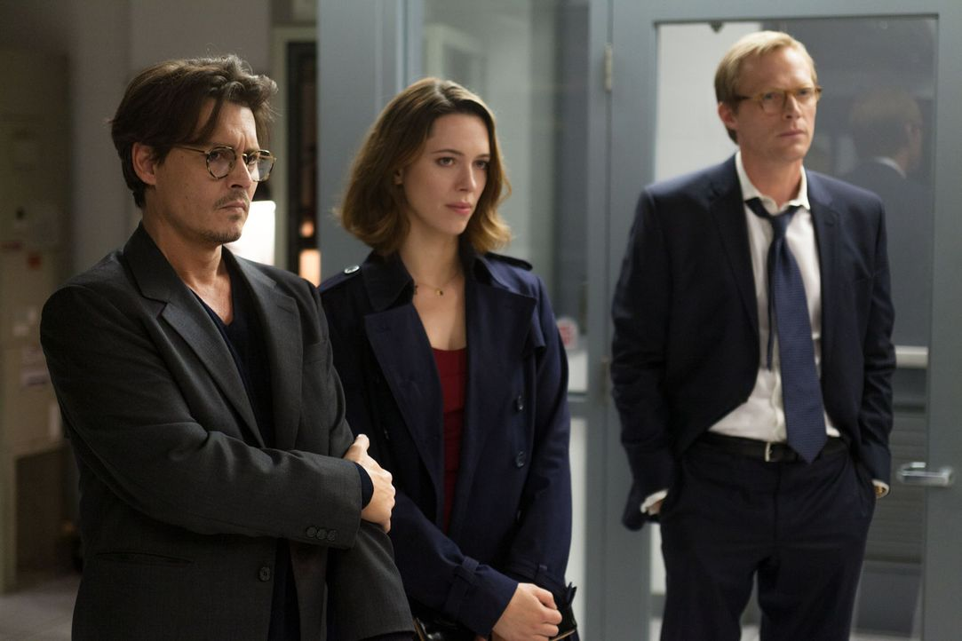 Will Caster (Johnny Depp, l.) und seine Frau (Rebecca Hall, M.) sind Koryphäen auf dem Gebiet der künstlichen Intelligenz. Als Will nach einem Atten... - Bildquelle: Peter Mountain 2013 Alcon Entertainment, LLC. All Rights Reserved