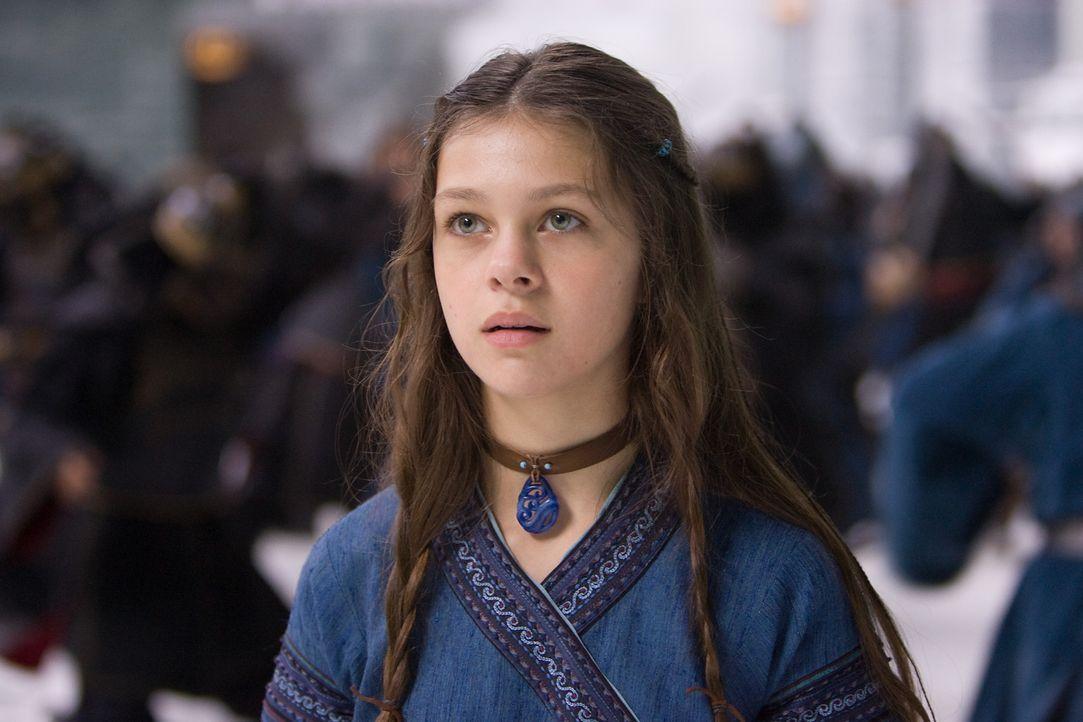 Als die 14-jährige Wasserbändigerin Katara (Nicola Peltz) zufällig den Avatar aus seinem 100-jährigen Schlaf erweckt, beginnt für sie eine Zeit... - Bildquelle: Zade Rosenthal 2010 PARAMOUNT PICTURES.  All Rights Reserved.