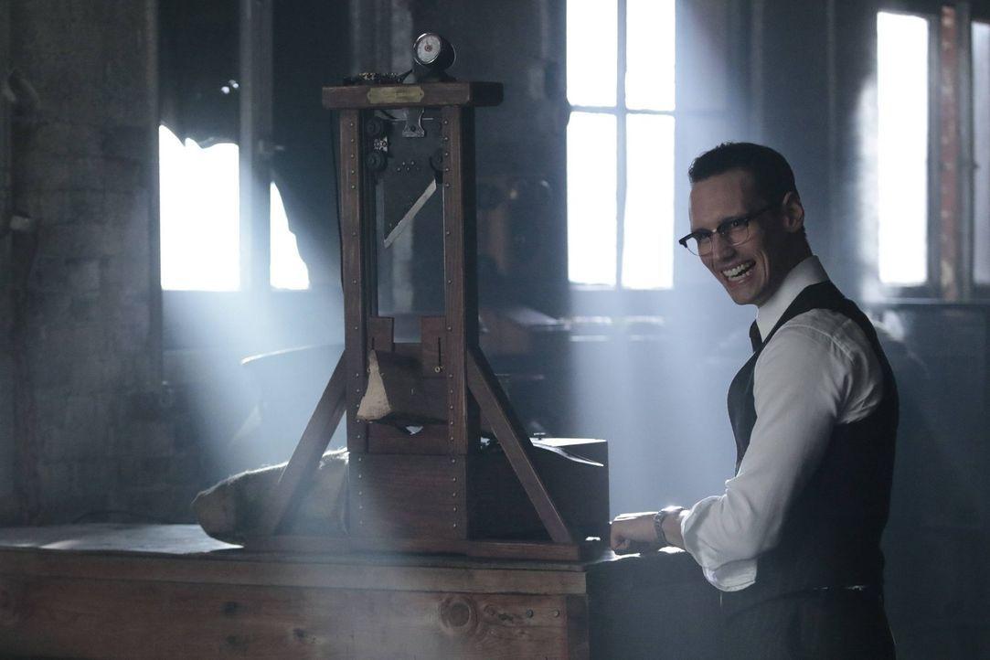 Möchte sich für Isabellas Tod rächen: Edward Nygma (Cory Michael Smith). Währenddessen lernt Bruce mehr über den Court of Owls ... - Bildquelle: Warner Brothers