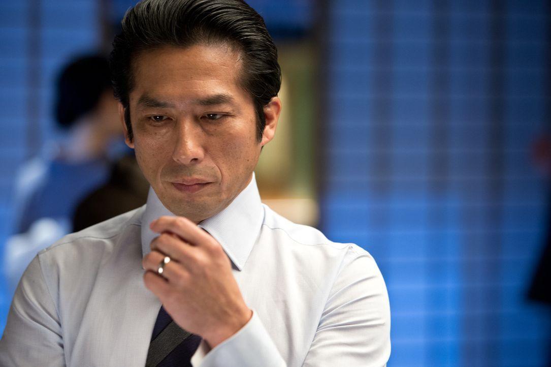 Shingen (Hiroyuki Sanada) gefällt es überhaupt nicht, dass sich Logan in seine Halbschwester verliebt hat, die noch dazu das Vermögen des Vaters gee... - Bildquelle: Ben Rothstein 2013 Twentieth Century Fox Film Corporation. All rights reserved.