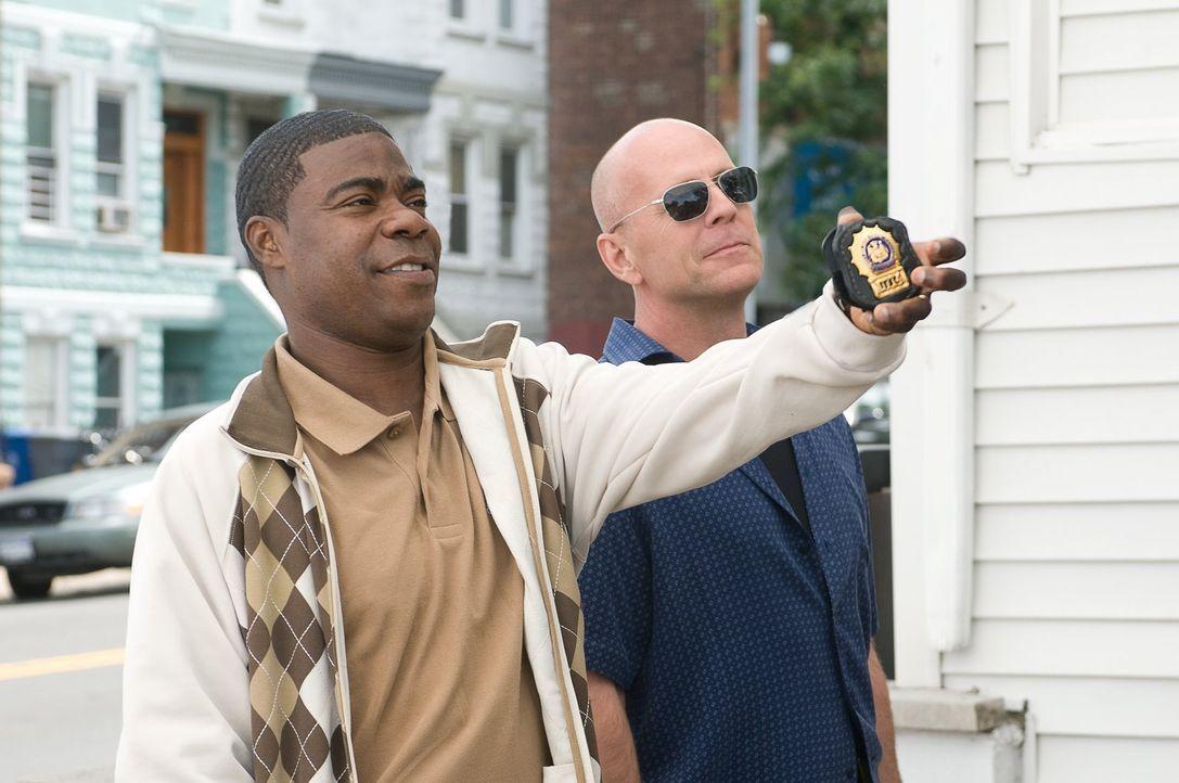 Wie weit würden Paul (Tracy Morgan, l.) und Jimmy (Bruce Willis, r.) gehen, um eine wertvolle Baseballsammelkarte aus den Händen eines Gangsterbosse... - Bildquelle: 2010 Warner Bros.