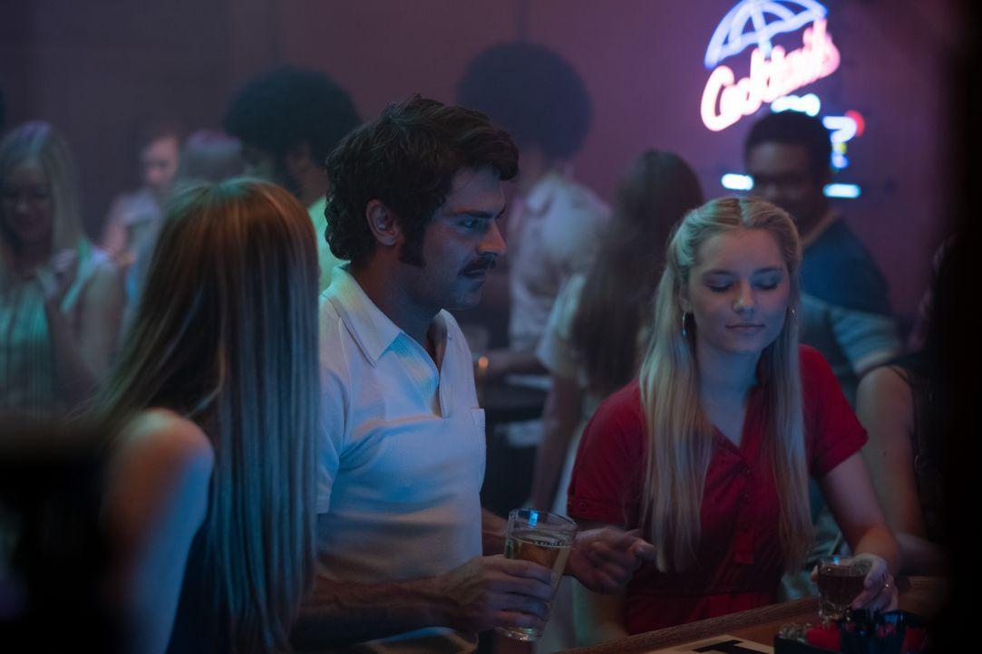 Ted Bundy (Zac Efron, M.) - Bildquelle: 2019 Constantin Film Verleih GmbH