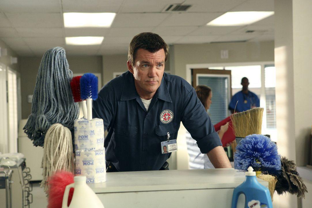 Immer auf der Suche nach schmutzigen Gerüchten: der Hausmeister (Neil Flynn) ... - Bildquelle: Touchstone Television