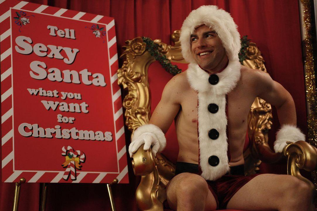 Ein ganz besonderer Weihnachtsmann: Schmidt (Max Greenfield) ... - Bildquelle: 20th Century Fox