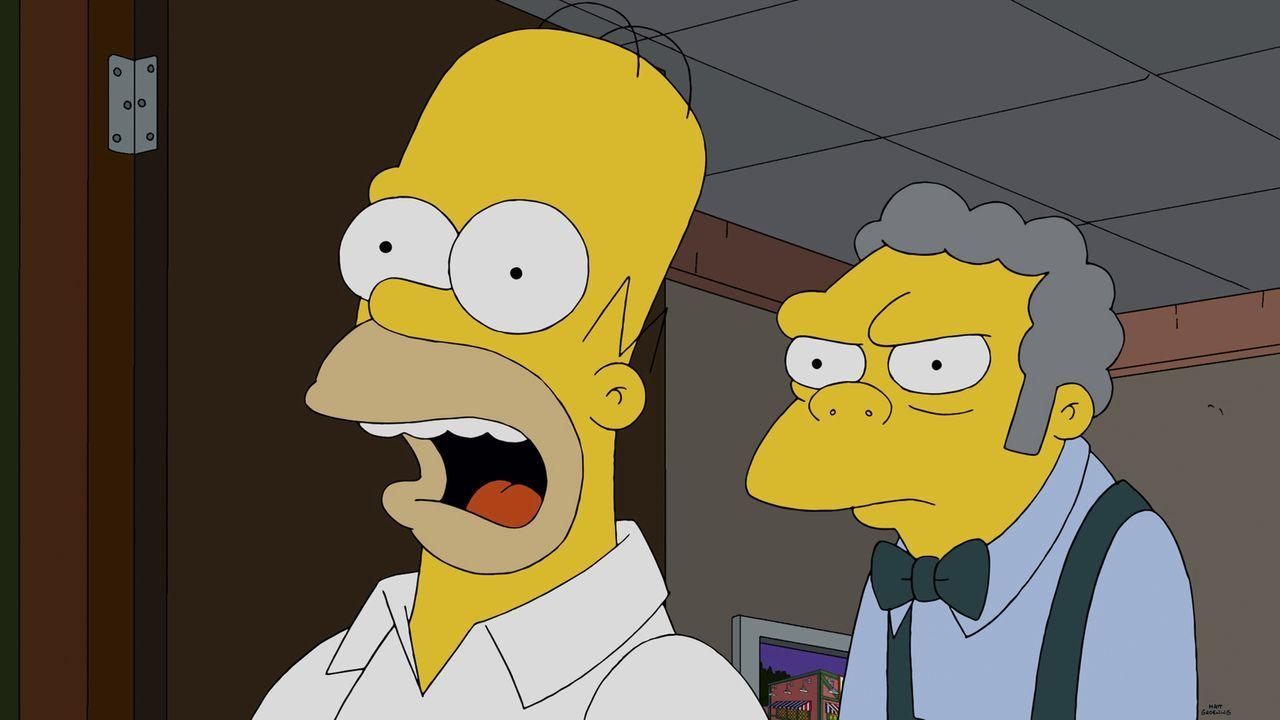 Unfassbar: Nur eine Minute in Moes (r.) Bar und schon hat Homer (l.) die nigerische Prinzessin verloren ... - Bildquelle: 2014 Twentieth Century Fox Film Corporation. All rights reserved.