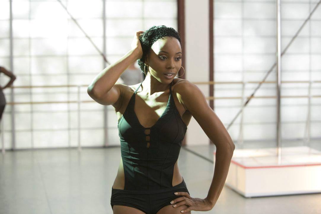 Kendra (Erica Ash) hat es drauf: nicht nur das Tanzen, sondern auch das Dämonen-Bekämpfen ... - Bildquelle: 2013 Constantin Film Verleih GmbH.