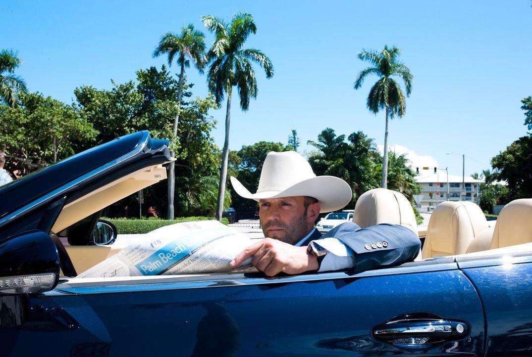 Angeblich will Parker (Jason Statham) die Lage besser kennenlernen, doch seine Spritztouren durch Palm Beach haben in Wirklichkeit einen anderen Gru... - Bildquelle: Jack English 2013 Constantin Film Verleih GmbH