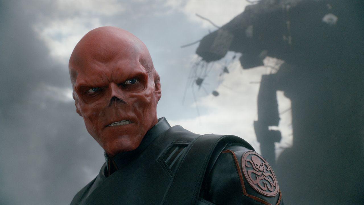 Gilt als unbesiegbar: Naziagent Johann Schmidt alias Red Skull (Hugo Weaving) ... - Bildquelle: TM &   2011 Marvel Entertainment, LLC & subs. All Rights Reserved.