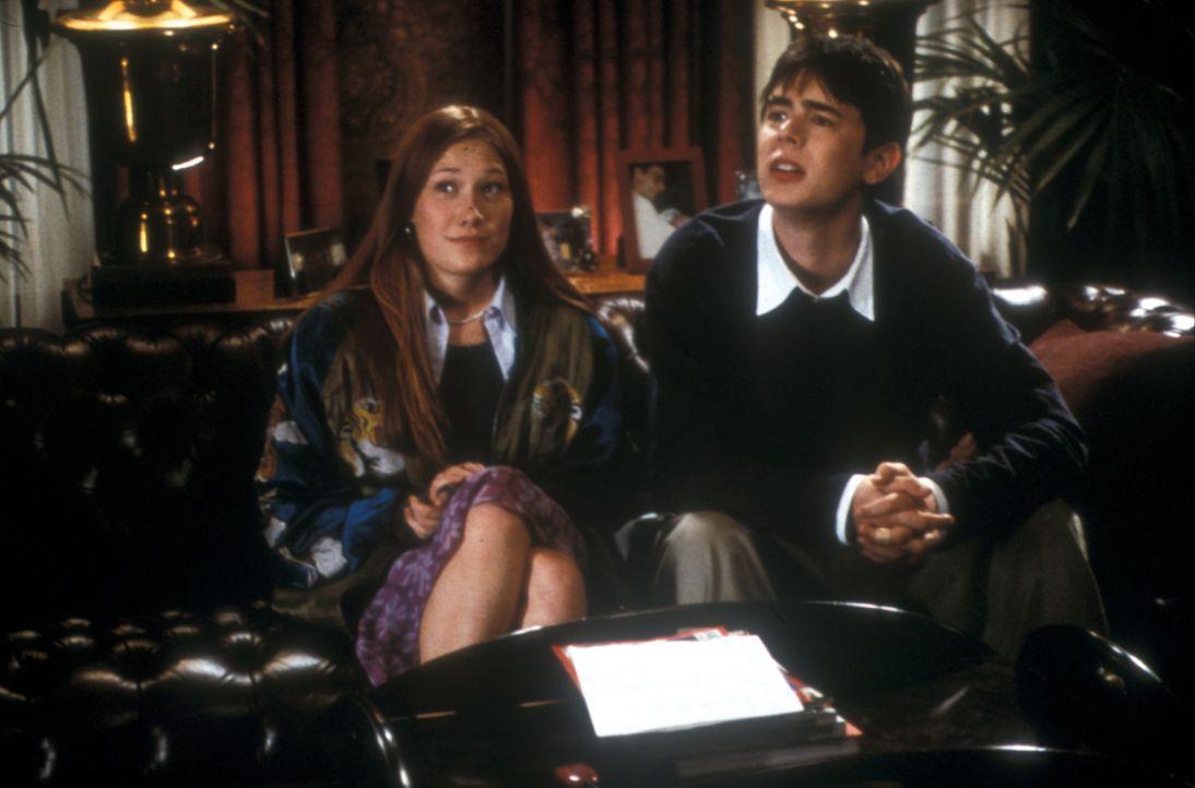 Eigentlich ist Shaun (Colin Hanks, r.) mit seinem Leben ganz zufrieden: Er hat gute Freunde , eine liebenswerte Freundin (Schuyler Fisk, l.) und vor... - Bildquelle: Gemma Lamana TM & Copyright   2001 by Paramount Pictures. All rights reserved.