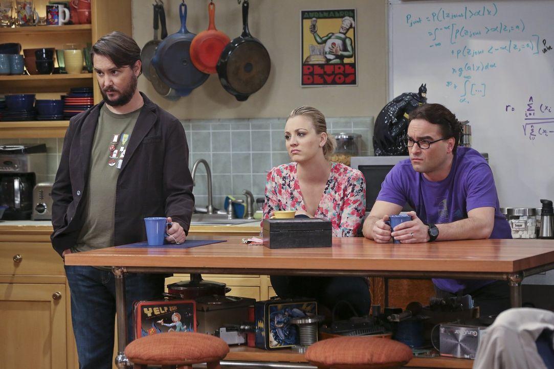 Sie beobachten Sheldons Interview für die Star-Trek-Dokumentation und erfahren so einige Geheimnisse: Wil Wheaton (l.), Penny (Kaley Cuoco, M.) und... - Bildquelle: 2015 Warner Brothers