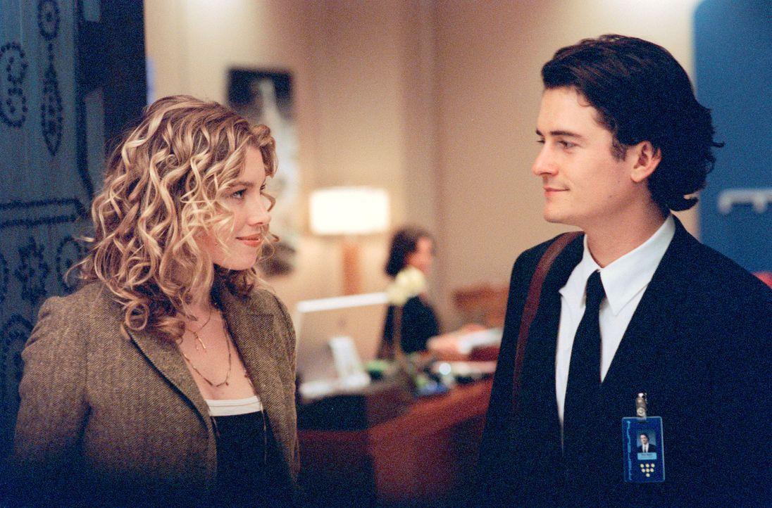 Als Drew Baylor (Orlando Bloom, r.) nach einem Superflop seinen Job als Schuhdesigner verliert, verschwindet auch gleich seine Vorzeige-Freundin Ell... - Bildquelle: Paramount Pictures