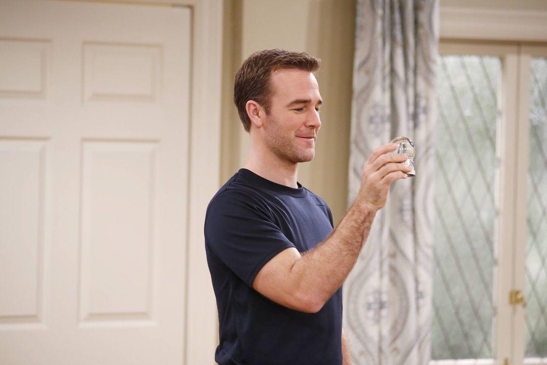 Noch ahnt Will (James Van Der Beek) nicht, dass er sich bald Hals über Kopf verlieben wird ... - Bildquelle: 2013 CBS Broadcasting, Inc. All Rights Reserved.