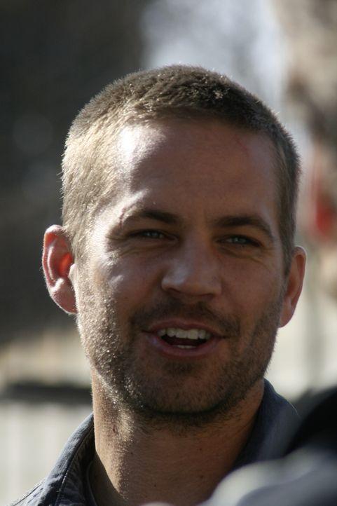 Eigentlich will Ex-Häftling Michael (Paul Walker) bei einer Reise nach Südafrika möglichst kein Aufsehen erwecken, weil er die USA nicht verlassen d... - Bildquelle: Studiocanal GmbH