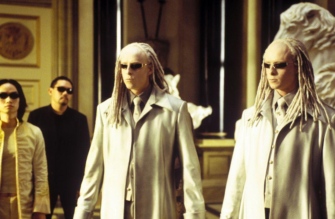 Unglücklicherweise wird der geheimnisvolle Schlüsselmacher von den hemmungslosen Zwillingen (Neil und Adrien Rayment) bewacht, die die Gabe besitz... - Bildquelle: Warner Bros.