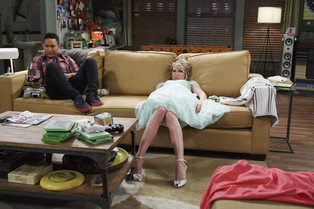 Tucker (Tahj Mowry, l.); Riley (Chelsea Kane, r.) - Bildquelle: Bruce Birmelin ABC Family