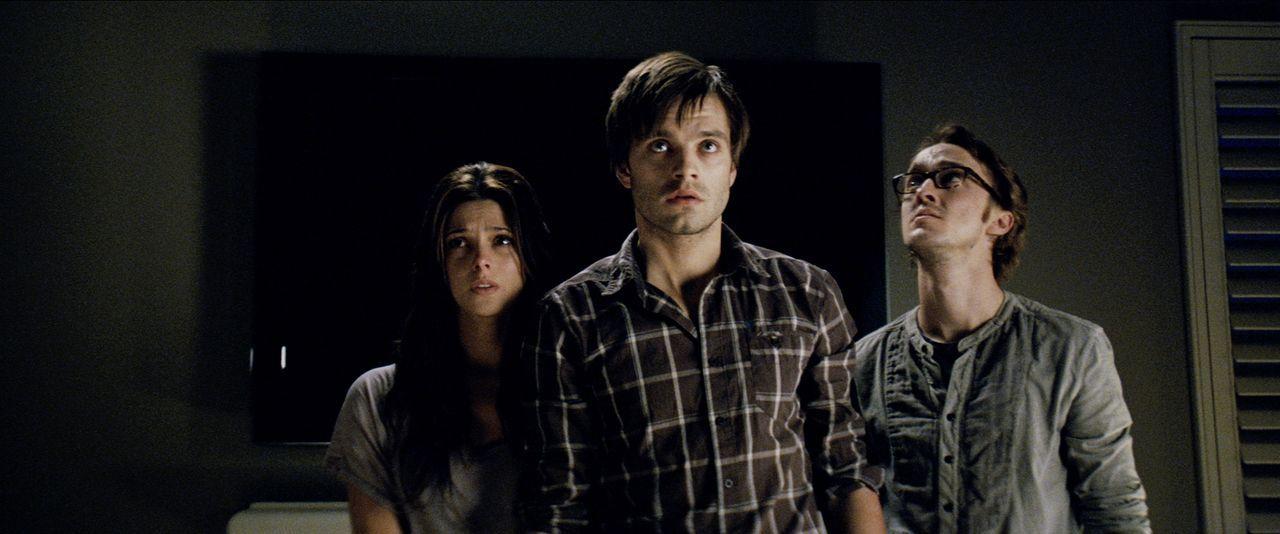 Starten ein letztes Experiment, um das Böse zurück in seine Welt zu bannen: (v.l.n.r.) Kelly (Ashley Greene), Ben (Sebastian Stan) und Patrick (Tom... - Bildquelle: 2012 Dark Castle Holdings, LLC.