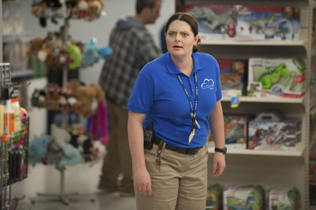 Dina (Lauren Ash) - Bildquelle: Colleen Hayes 2016 Universal Television LLC. ALL RIGHTS RESERVED. / Colleen Hayes