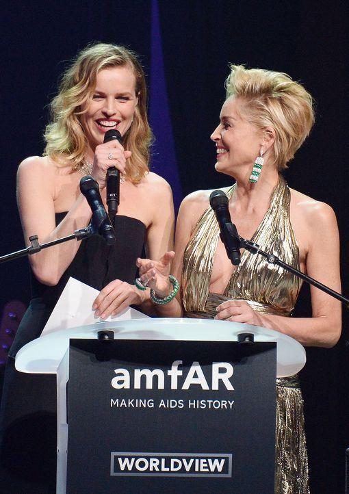 Cannes-Filmfestival-amfAR-Eva-Herzigova-Sharon-Stone-140522-AFP - Bildquelle: AFP