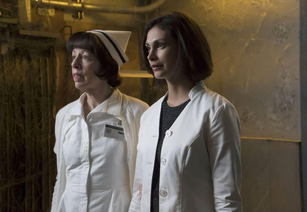 Gordon ermittelt im Arkham Gefängnis, nachdem mehrere Menschen mit Elektroschocks gequält und getötet wurden. Schwester Dorothy Duncan (Allyce Beasl... - Bildquelle: Warner Bros. Entertainment, Inc.