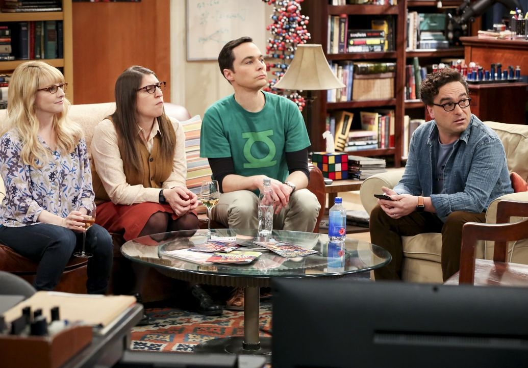 (v.l.n.r.) Bernadette (Melissa Rauch); Amy Farrah Fowler (Mayim Bialik); Sheldon Cooper (Jim Parsons); Leonard Hofstadter (Johnny Galecki) - Bildquelle: Michael Yarish 2019 CBS Broadcasting, Inc. All Rights Reserved / Michael Yarish