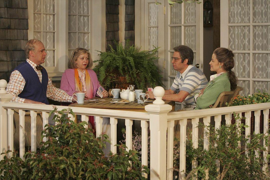 Wird so die Zukunft von Marshall (Jason Segel, l.), Lily (Alyson Hannigan, 2.v.l.), Ted (Josh Radnor, 2.v.r.) und Robin (Cobie Smulders, r.) aussehen? - Bildquelle: 20th Century Fox International Television