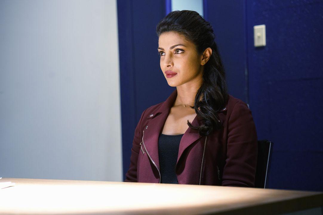 Versucht, ihre Unschuld zu beweisen und dabei spielt ihr ihre Ausbildung beim FBI gut in die Karten: Alex (Priyanka Chopra) ... - Bildquelle: 2015 ABC Studios