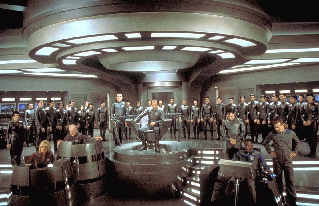 """Auf der Erde angekommen, katapultiert Mathesar (Enrico Colantoni, stehend M.) """"Commander Peter Quincy Taggart"""" (Tim Allen, M.) und seine Mannschaft,... - Bildquelle: DreamWorks Distribution LLC"""