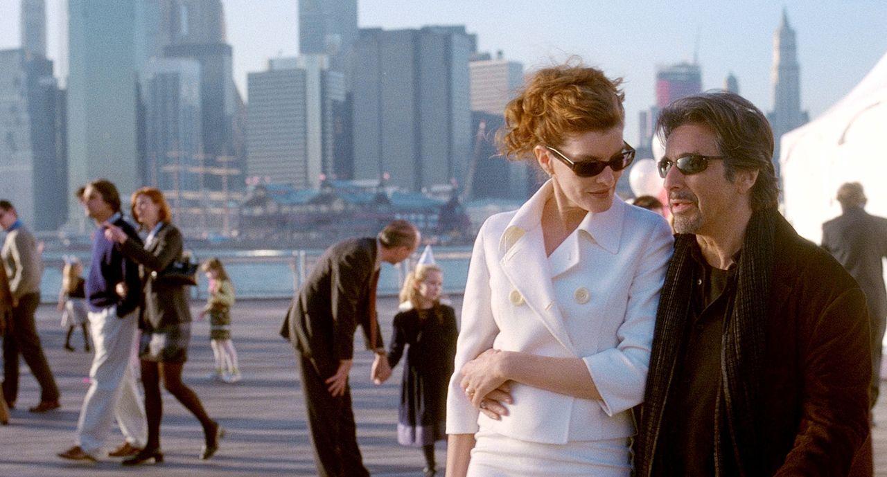 Walter Abraham (Al Pacino, r.) hat noch einen Trumpf im Ärmel, von dem weder seine liebenswerte Frau Toni (Rene Russo, l.) noch Brandon etwas wissen... - Bildquelle: Morgan Creek Productions