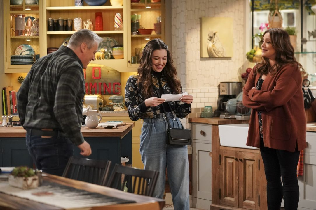 (v.l.n.r.) Adam Burns (Matt LeBlanc); Kate Burns (Grace Kaufman); Andi Burns (Liza Snyder) - Bildquelle: 2019 CBS Broadcasting, Inc. All Rights Reserved