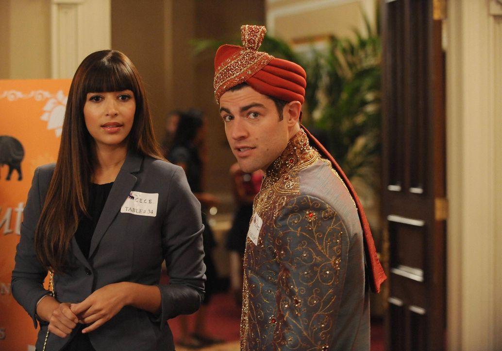 Während Cece (Hannah Simone, l.) eine Dating-Veranstaltung besucht, hofft Schmidt (Max Greenfield, r.), sie wieder zurückgewinnen zu können ... - Bildquelle: 2013 Twentieth Century Fox Film Corporation. All rights reserved.