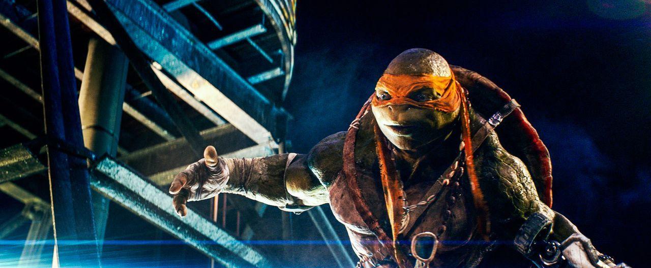 """Die Stadt New York befindet sich in großer Gefahr, denn eine Armee von Soldaten des """"Foot Clans"""" will Chaos stiften. Doch die mutierte Ninja-Schildk... - Bildquelle: MMXIV Paramount Pictures Corporation. All Rights Reserved."""