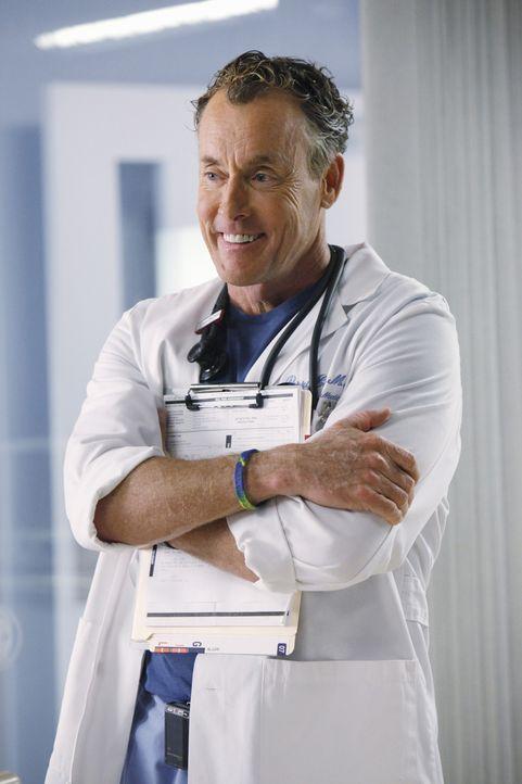 Macht es seinen Studenten nicht leicht: Dr. Cox' (John C. McGingley) ... - Bildquelle: Touchstone Television