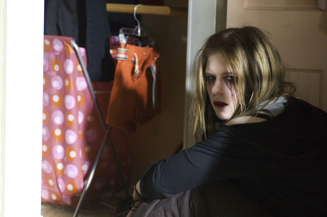 Auch in Ursula (Magda Apanowicz) erweckt das bitterböse Tagebuch nur die allerschlechtesten Wünsche ... - Bildquelle: Ed Araquel 2007 Diary Productions Inc.