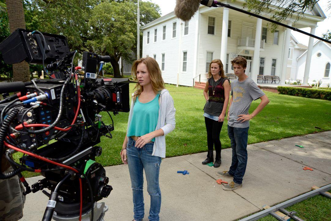 Under The Dome - Behind The Scenes - Bild vom Set der Serie20 - Bildquelle: CBS Television