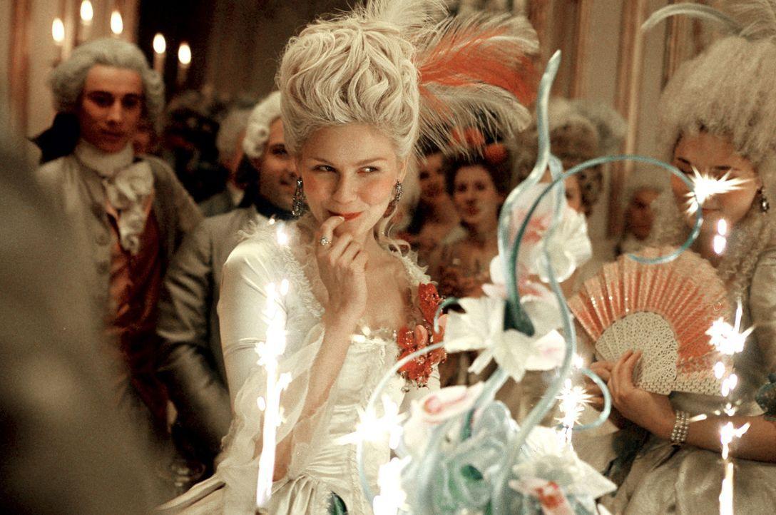 Ihr 18. Geburtstag wird gebührend gefeiert. Für einen Moment vergisst Marie-Antoinette (Kirsten Dunst) den großen Druck, der auf ihren Schultern lie... - Bildquelle: 2006 I Want Candy, LLC. All Rights Reserved.