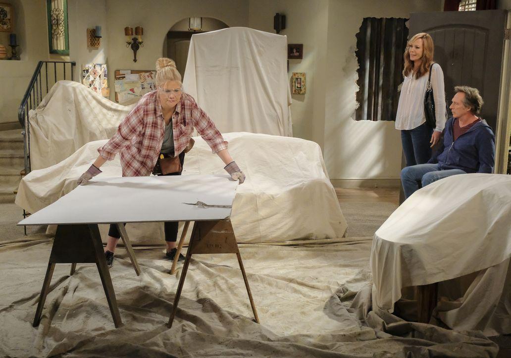 (v.l.n.r.) Tammy (Kristen Johnston); Bonnie (Allison Janney); Adam (William Fichtner) - Bildquelle: Darren Michaels 2018 CBS Broadcasting, Inc. All Rights Reserved.