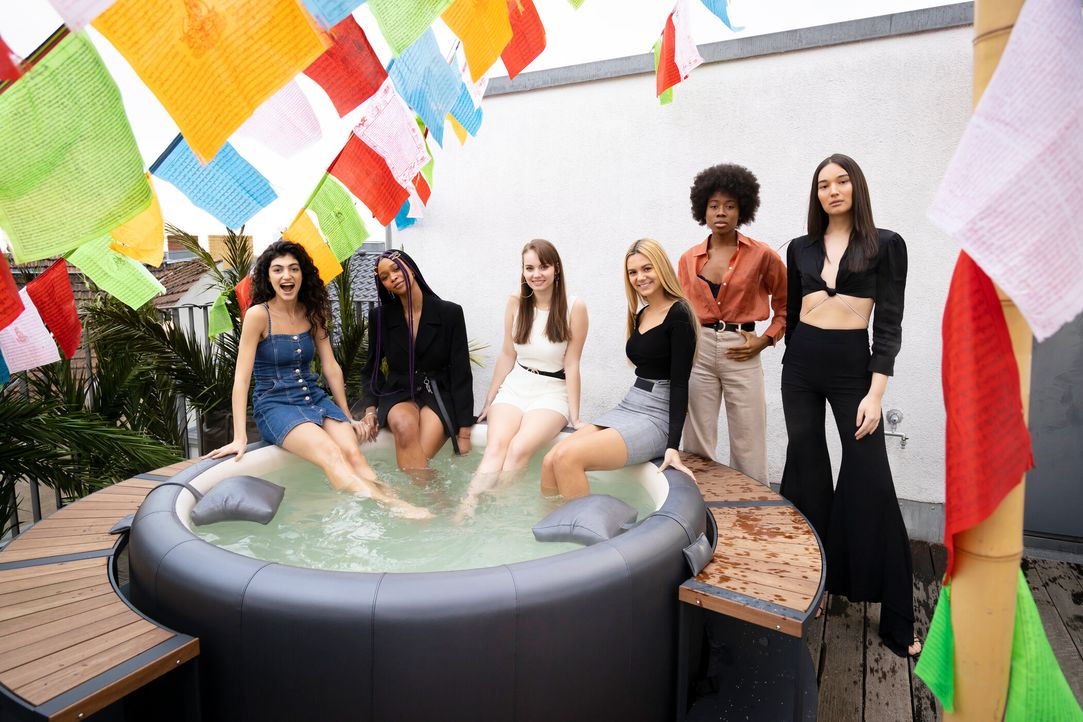 P7_GNTM_2216391-Soulin-Liliana-Luca-Ana-Ashley-Alex - Bildquelle: ProSieben/Richard Hübner