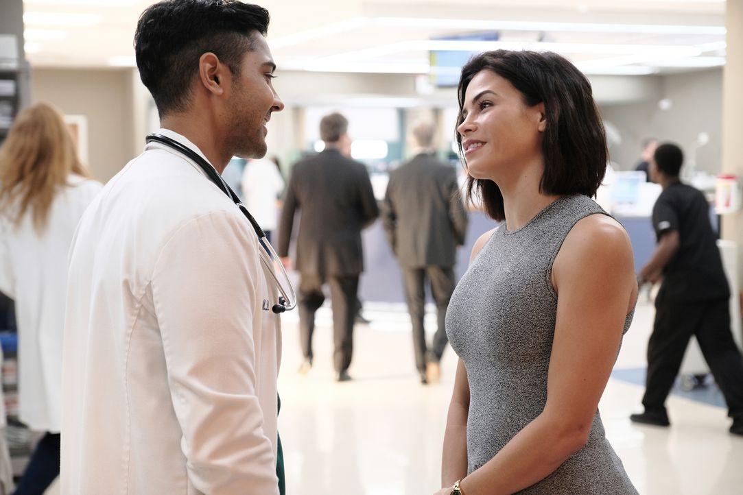 Dr. Devon Pravesh (Manish Dayal, l.); Julian Booth (Jenna Dewan, r.) - Bildquelle: 2018-2019 Twentieth Century Fox Film Corporation. All rights reserved.