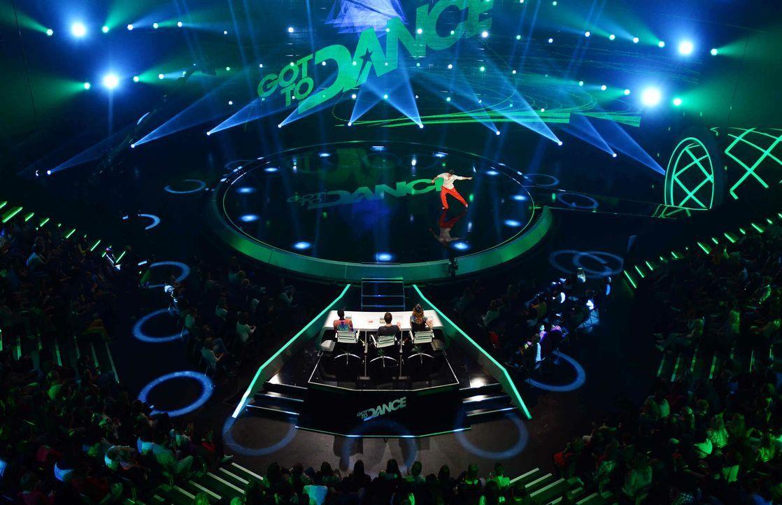 Got-To-Dance-Oleg-07-SAT1-ProSieben-Willi-Weber - Bildquelle: SAT.1/ProSieben/Willi Weber