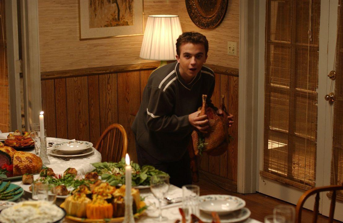 Als Malcolm (Frankie Muniz) völlig betrunken von einer Party zurückkehrt, ist eine Katastrophe bereits vorprogrammiert ... - Bildquelle: TM +   2000 Twentieth Century Fox Film Corporation. All Rights Reserved.