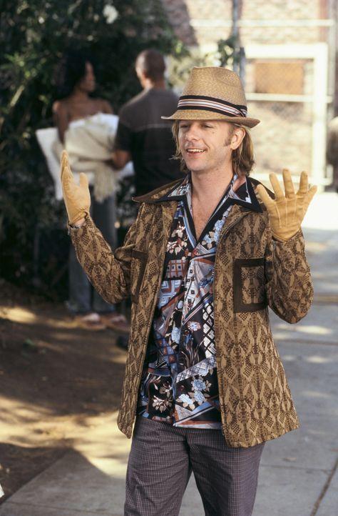 """Der 35-jährige ehemalige Kinderstar Dickie Roberts (David Spade) bekommt eine Rolle angeboten, in der er einen """"normalen"""" Menschen spielen soll. Do... - Bildquelle: Mark Fellman Paramount Pictures"""