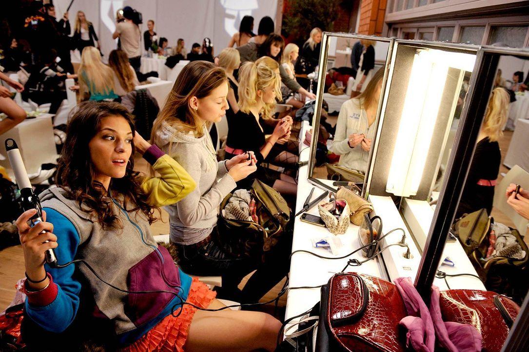 germanys-next-topmodel-stf07-epi01-top-50-backstage-11-oliver-s-prosiebenjpg 1700 x 1131 - Bildquelle: Oliver S. - ProSieben