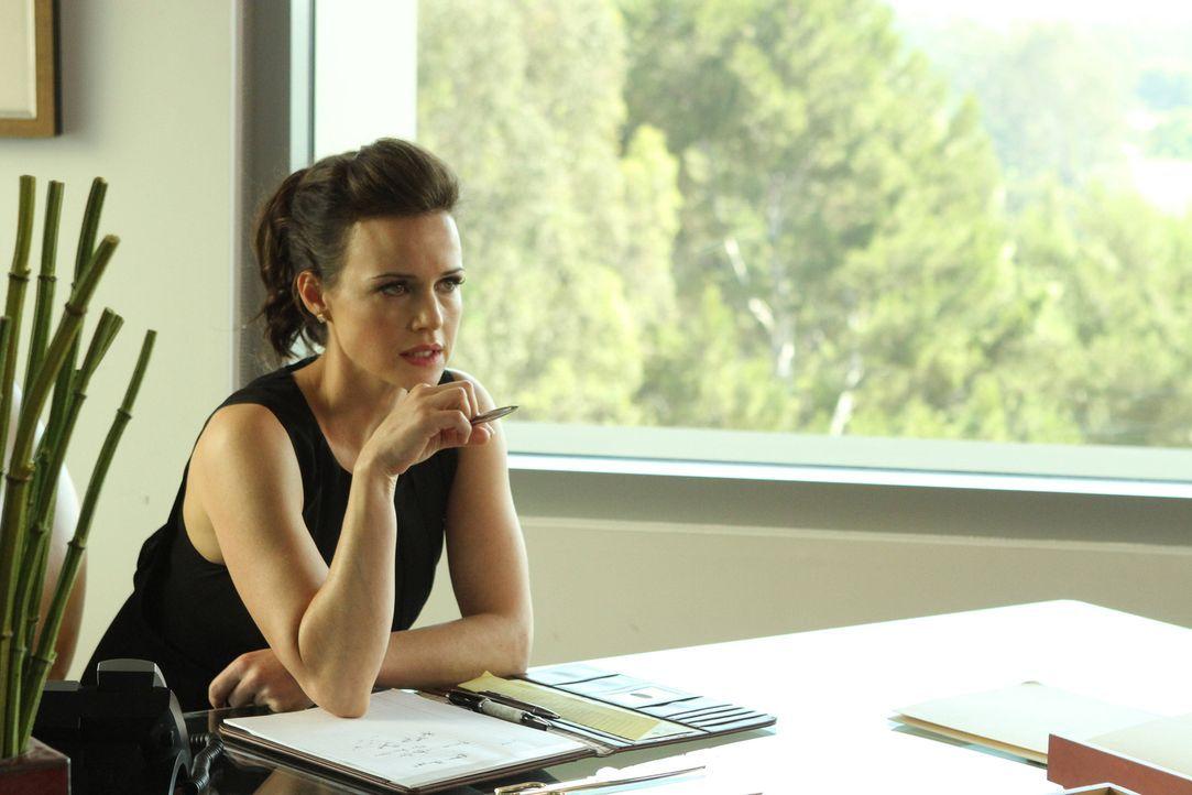 Beginnt mit Schmidt ein ganz besonderes Verhältnis: Emma (Carla Gugino) ... - Bildquelle: 2012 Twentieth Century Fox Film Corporation. All rights reserved.
