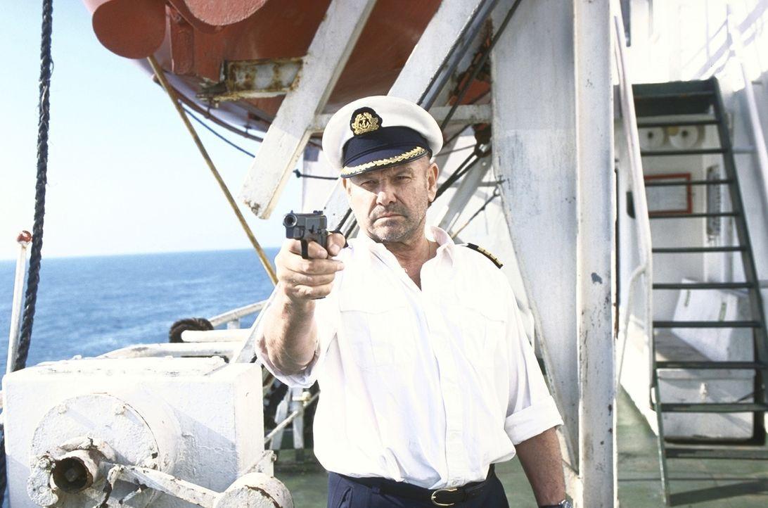 Gangster unter sich: Erst nach und nach dämmert Harris (Klaus Löwitsch), dass nicht nur er unlautere Absichten verfolgt ... - Bildquelle: ProSieben